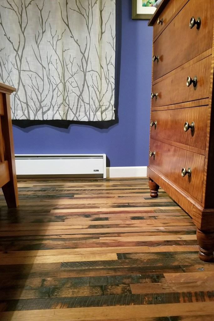 A more narrow, single width of Settlers' Plank Reclaimed Oak in a NY home.
