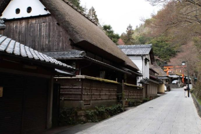 Saga Toriimoto is a historically preserved area near Kyoto. Note the weathered shou sugi ban on the gable. This structure has been maintained for nearly 400 years. Photo by https://www.pnwbeyond.com/