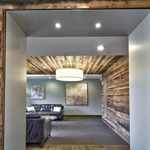 Pioneer Millworks Mixed Softwoods Grandma's Attack wall paneling. Photo by Gene Avallone.